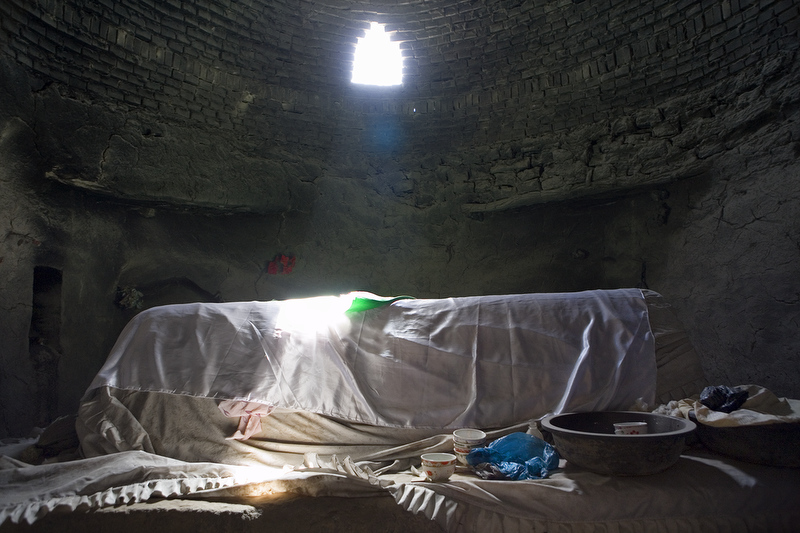 Unrevealed, Site 20 (Sun Ray on Saint's Tomb) (2010)